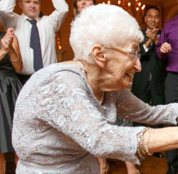 Как йога помогла 85-летней пенсионерке (4 фото)