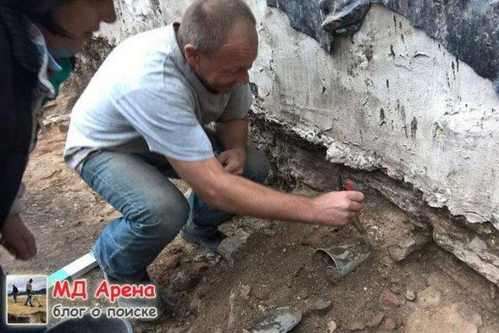В Пскове нашли клад знаменитого купца Федора Плюшкина