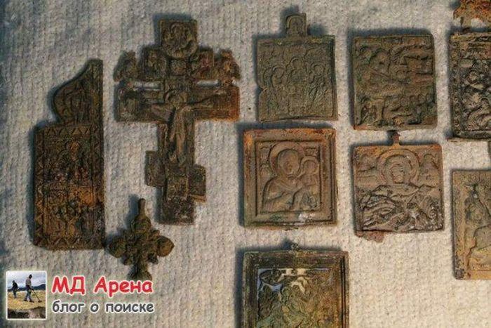 В Пскове найден клад потомка купца Федора Плюшкина (10 фото)