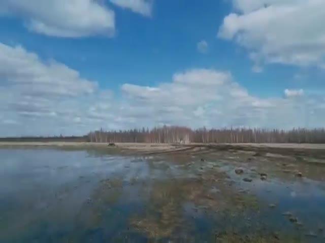 Якутские охотники дружно застряли в болоте
