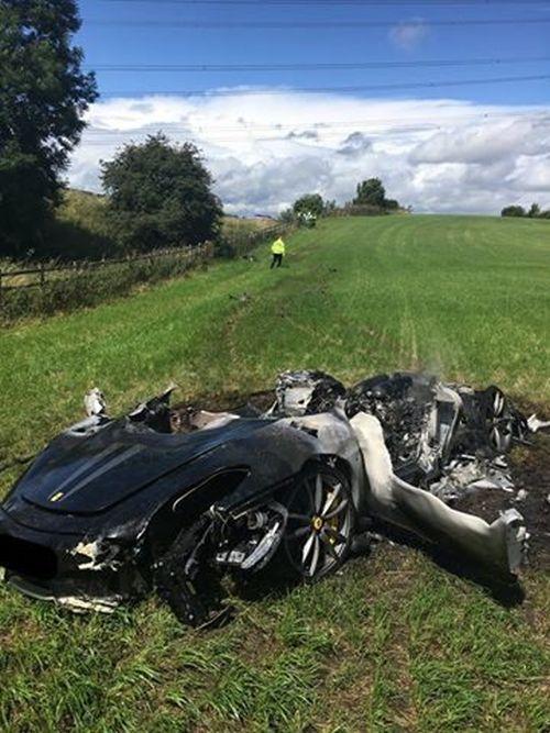 Британец уничтожил суперкар Ferrari 430 Scuderia спустя час после покупки (3 фото)