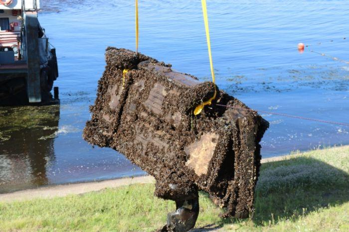 В Волге найден автомобиль с останками пары, пропавшей 11 лет назад (6 фото)