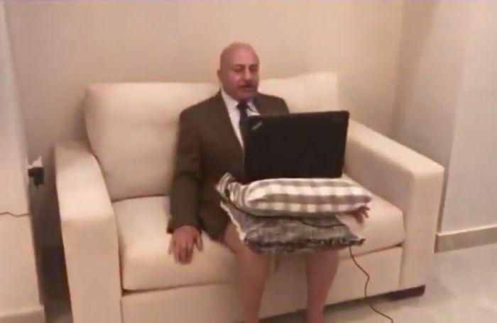 Арабский политолог стал героем дня, выйдя в эфир Аль-Джазиры без штанов (2 фото)