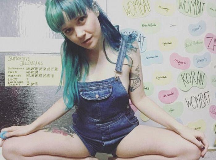 Австралийская эротическая онлайн-модель зарабатывает 500 000 долларов в год (16 фото)