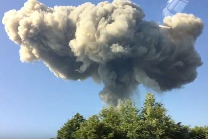 Взрыв на складе боеприпасов в Абхазии (12 фото + видео)