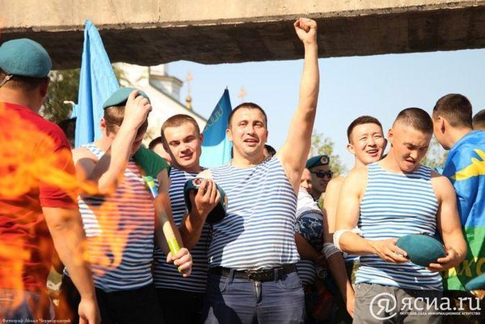 День ВДВ в Якутске (16 фото + видео)