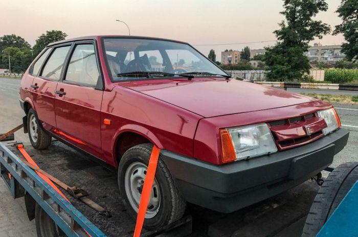 ВАЗ-21093 1990 года выпуска в пробегом 49 км (17 фото)