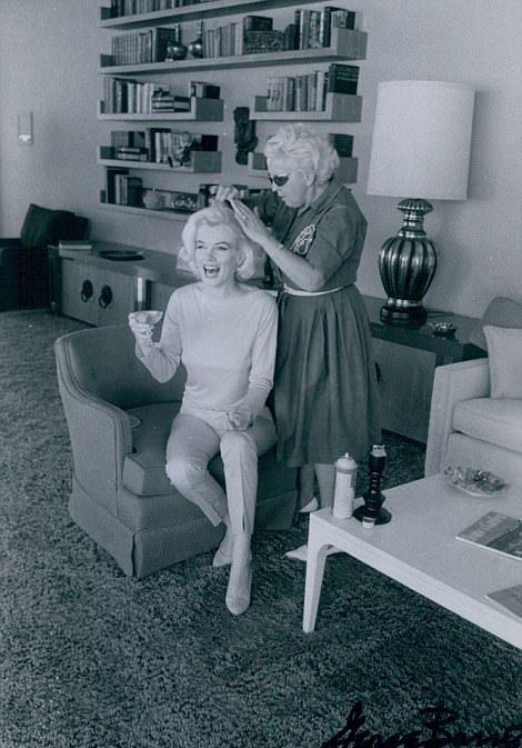Редкие фото из одной из последних фотосессий Мэрилин Монро (18 фото)