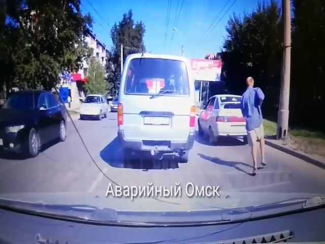 Задержание неадекватного мужчины в Омске