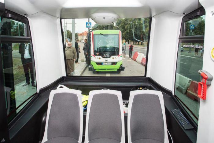 В Талине появились беспилотные автобусы (12 фото)