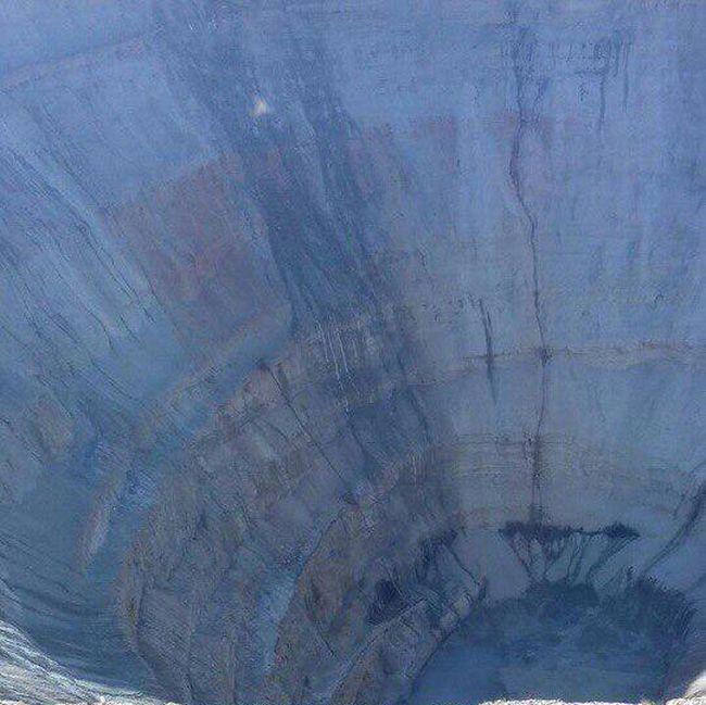 Грунтовые воды затопили рудник «Мир» в Якутии