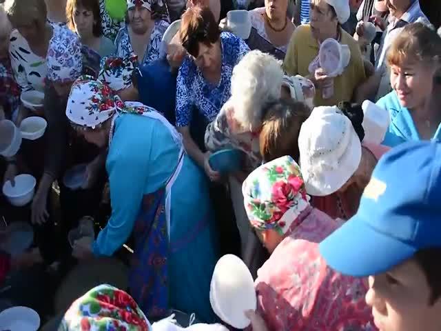 Давка из-за каши в Ижевске