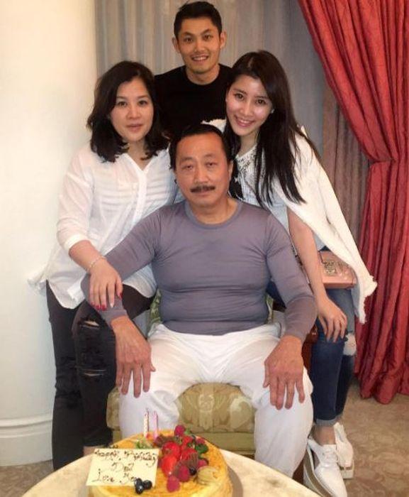 Жизнь наследницы малазийского миллиардера (18 фото)