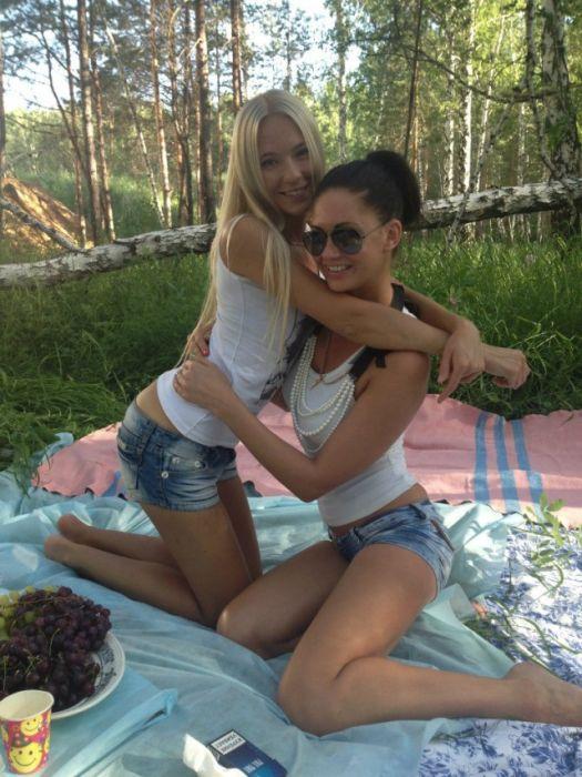 Милые девушки из социальных сетей (35 фото)