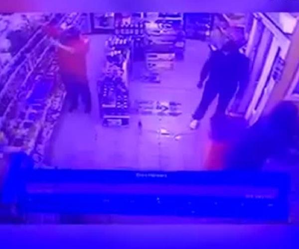 В Москве неизвестные подожгли магазин, торговавший алкоголем после 23:00