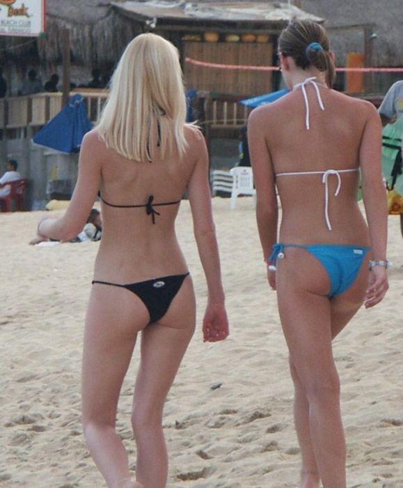 Девушки в бикини (41 фото)