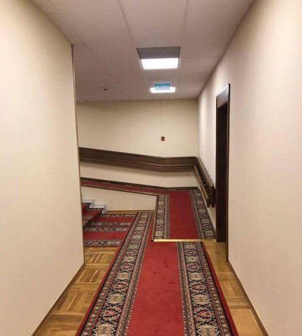 Загадочное фото из Госдумы (2 фото)