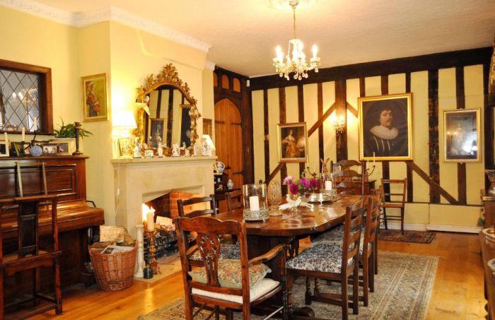 Дом Гарри Поттера выставлен на продажу (11 фото)