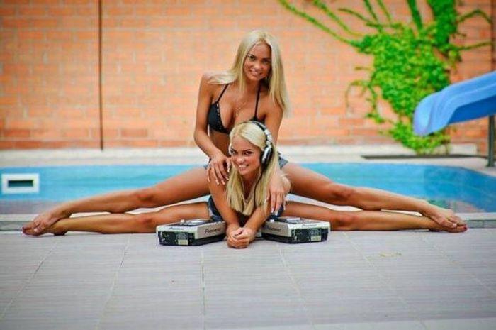Гибкие девушки (46 фото)