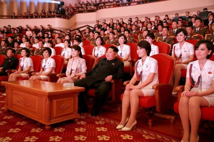 http://trinixy.ru/pics5/20170814/north_korea_girls_05.jpg