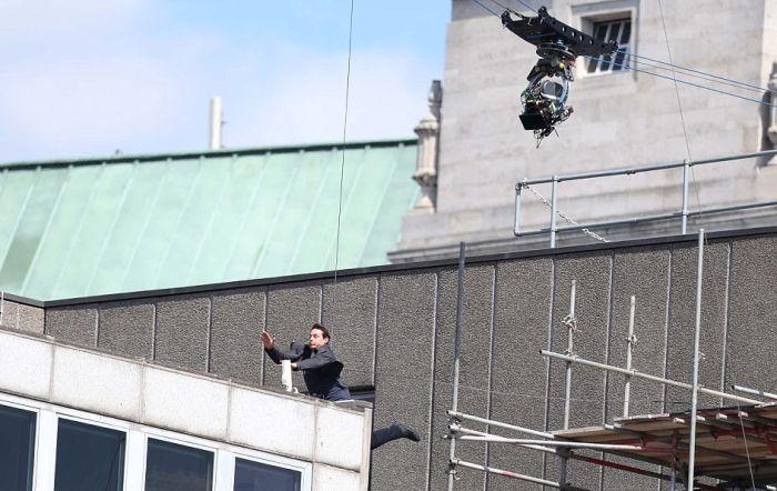 Том Круз заработал перелом на съемках фильма «Миссия невыполнима 6» (6 фото + видео)