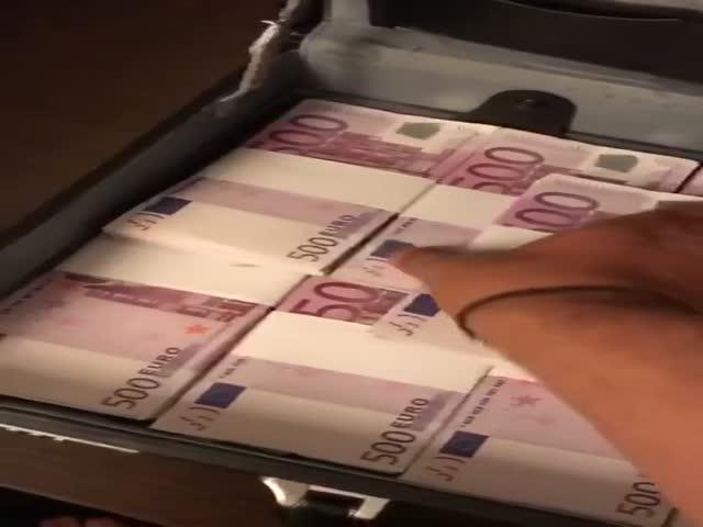 Арабские мошенники рассчитались поддельными евро за биткоины