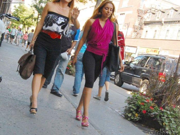 Девушки, которые проходят мимо (31 фото)