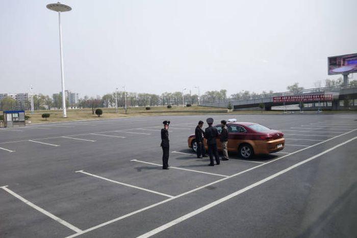 Разница между Южной и Северной Кореей (14 фото)
