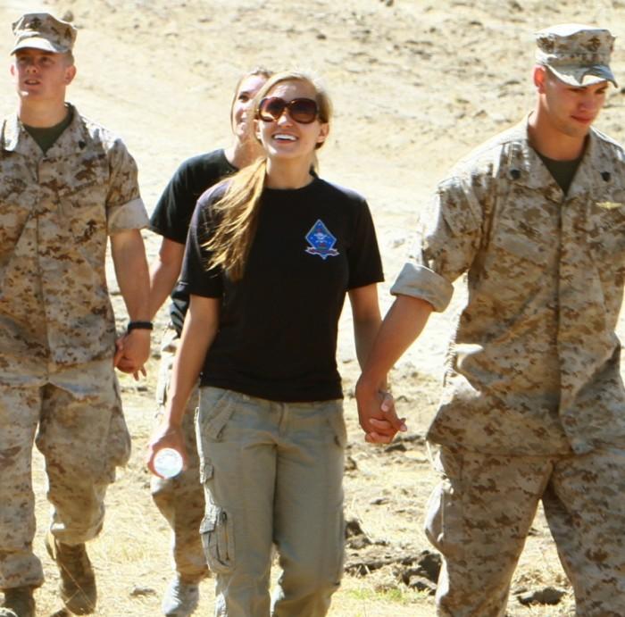 «День открытых дверей» на базе морской пехоты США (40 фото)