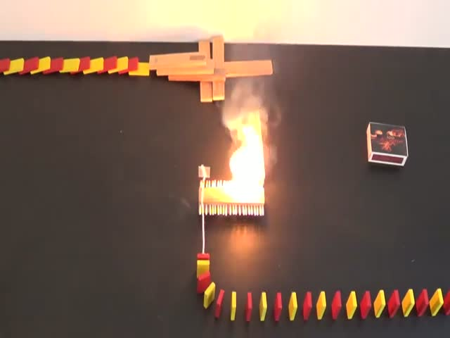 Эффект домино и огонь