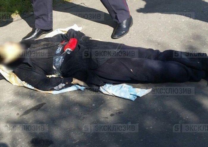 Житель Сургута, напавший на прохожих с ножом, был убит на месте (5 фото + 2 видео)
