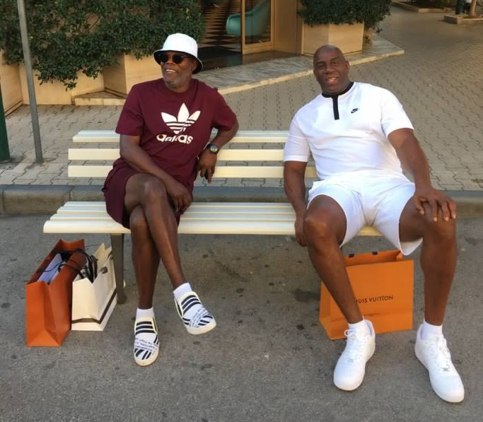 Пользователи сети приняли Сэмюэля Джексона и баскетболиста Мэджика Джонсона за мигрантов (3 фото)