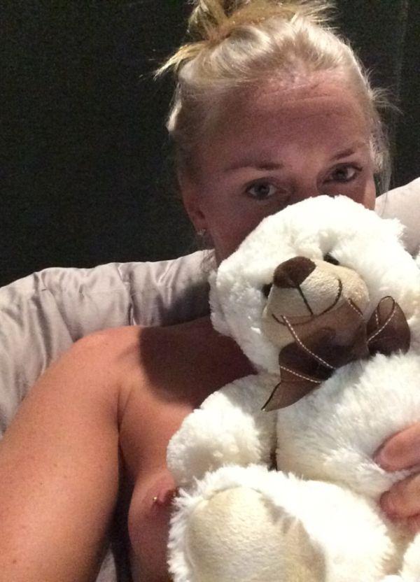 Хакеры опубликовали украденные фото голой горнолыжницы Линдси Вонн, бывшей подруги Тайгера Вудса (10 фото)
