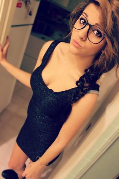 Милые девушки в очках (50 фото)