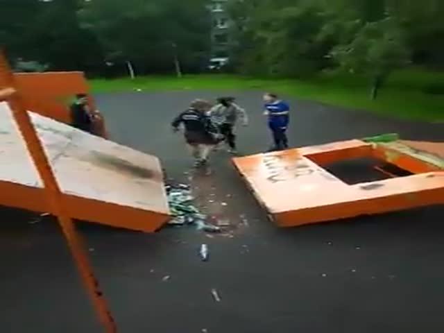 Беспредел банды хулиганов-подростков из Санкт-Петербурга
