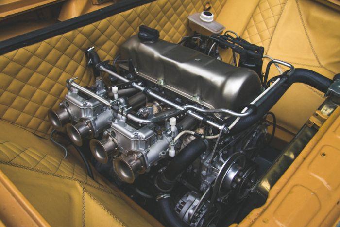 Уникальный автомобиль Lada 1500 с пневматической подвеской (12 фото)