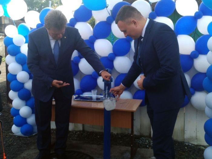 В Томске торжественно открыли водопровод (4 фото)