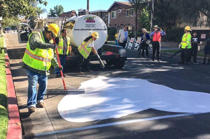 В Лос-Анджелесе асфальт перекрасили в белый цвет (5 фото)