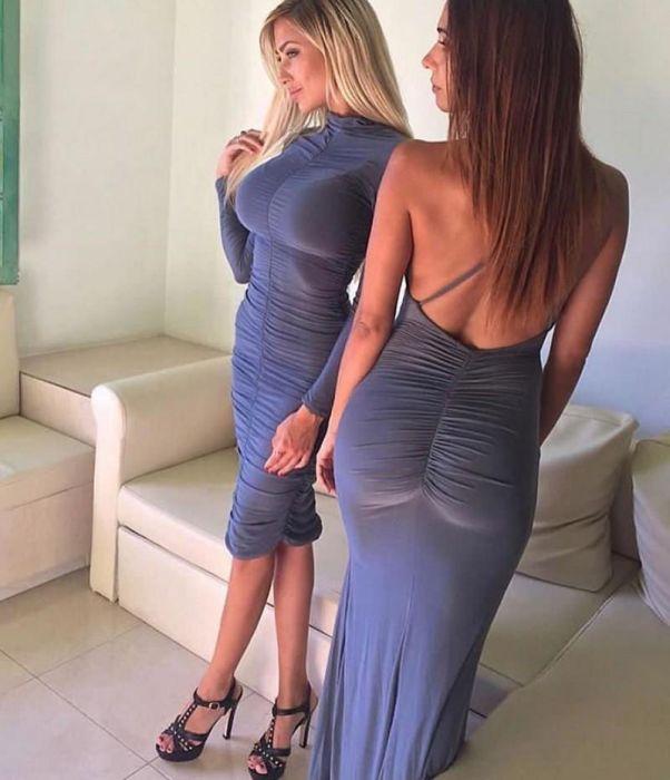 Девушки в облегающих нарядах (32 фото)