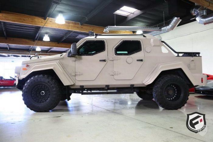 На аукционе в США продают армейский внедорожник Terradyne Gurkha за 700 000$ (20 фото)