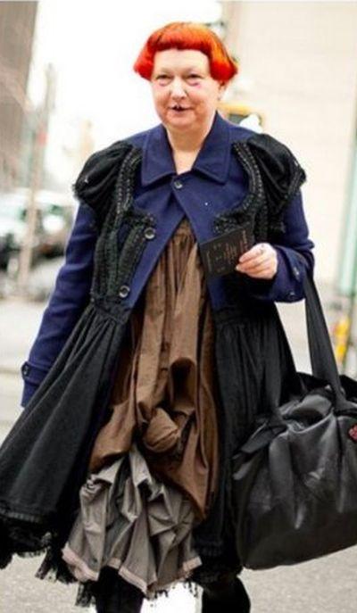 Пользователи сети высмеяли обозревателя журнала Vogue, раскритиковавшую Меланью Трамп (8 фото)