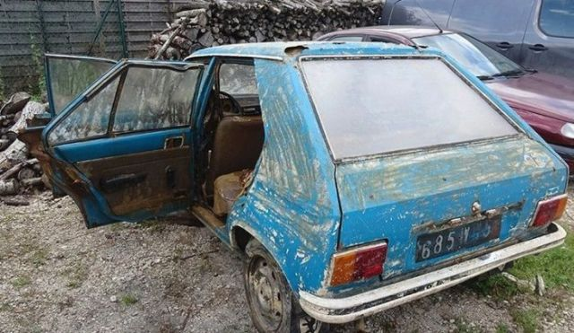 Во Франции нашли автомобиль, угнанный 38 лет назад (3 фото)