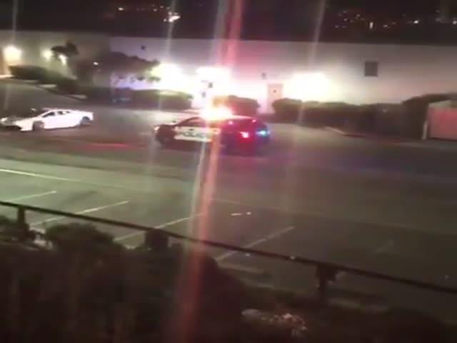 Суперкар Lamborghini эффектно уходит от полиции