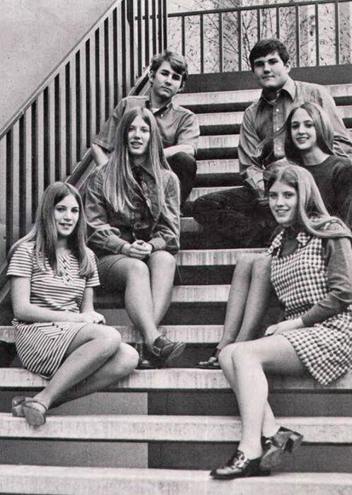 Эпоха мини-юбок (45 фото)