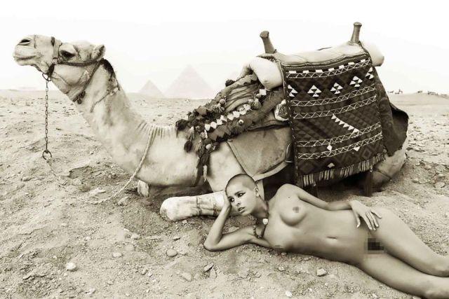 Бельгийская модель попала в египетскую тюрьму из-за обнаженной фотосессии (6 фото)