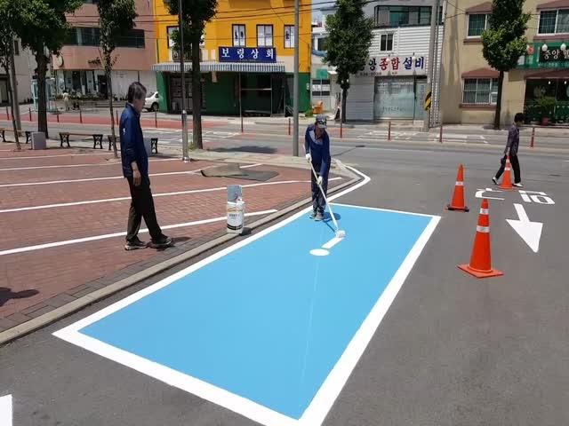 Дорожный рабочий из Южной Кореи впечатлил всех своей работой