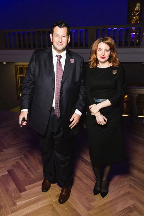 Жены самых богатых российских бизнесменов и чиновников (29 фото)