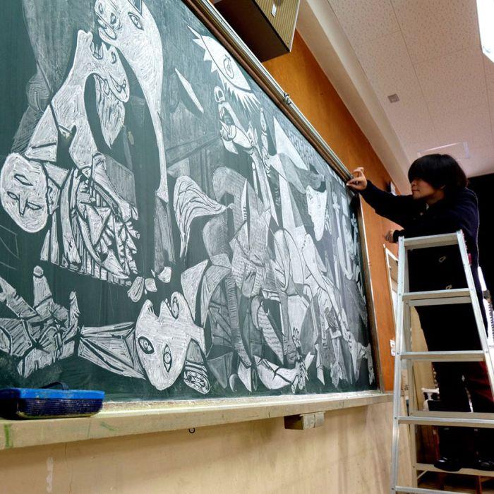 Креативные рисунки на доске (12 фото)
