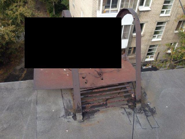 Суровые ЖЭКи Урала (2 фото)