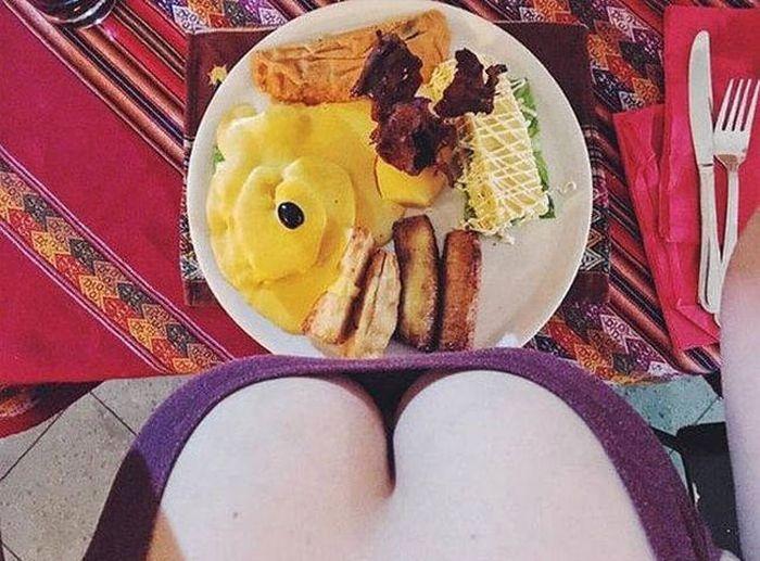 Девушка фуд-блогер и еда (10 фото)